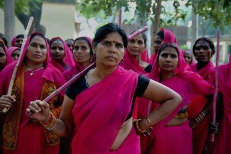 נשים בורוד בהודו. בשל גל מקרי האונס בהודו, התארגנה קבוצה של נשים שסירבו לחכות שהמשפט והחוק יעשו עימן צדק.