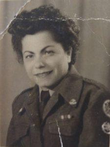 חנה קפרא בעת שירותה בחיל האוויר