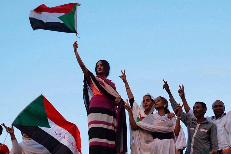 """""""אני נגד כל חוקי המשטר""""   מה דורשות הנשים בסודן"""