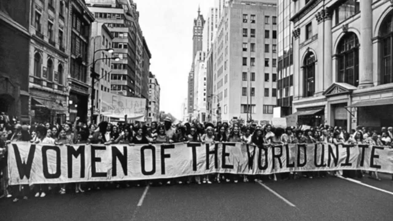 אשת העולם הגדול: מסביב לעולם ב-107 ימי האשה