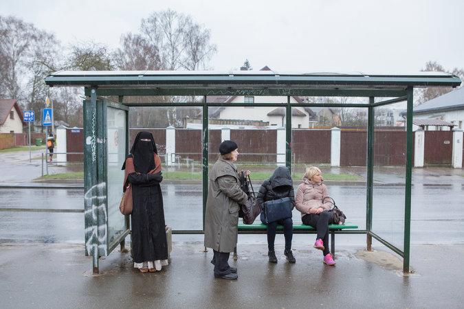 אשת העולם הגדול: להוציא את הניקאב מחוץ לחוק בלטביה