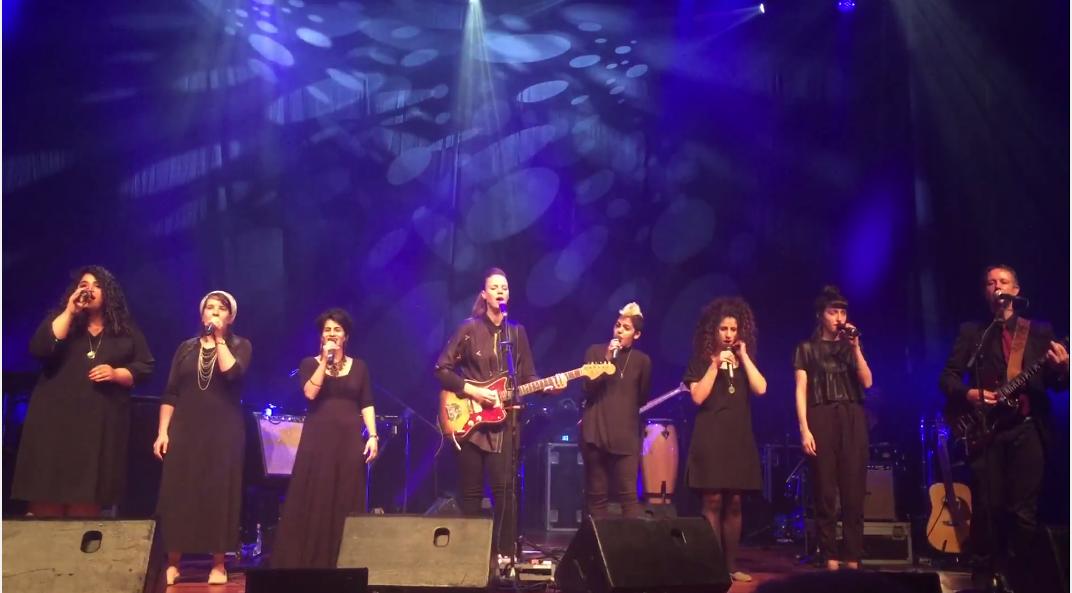 """בית ספר 'מזמור': על התפר הדק שבין """"שירת נשים"""" ל""""קול באישה"""" – המקום שבו נשים דתיות הופכות למוזיקאיות"""