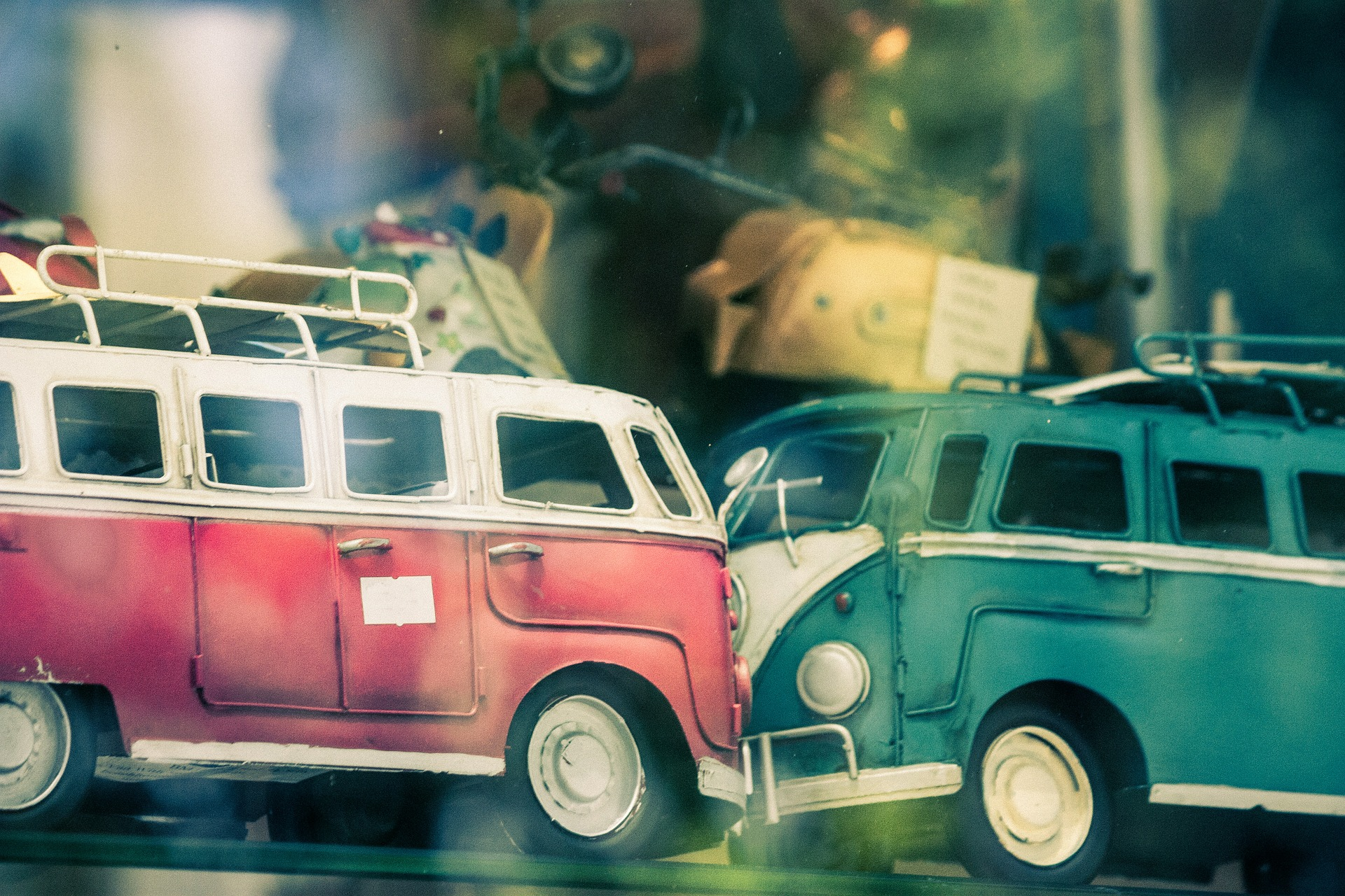 הפליליזציה והמהפכה מציגות: תאונת דרכים